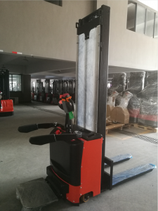 7SMITH Electric stacker with padel 1500kg 260cm cheap